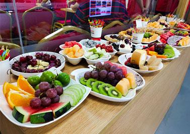 圣元电器准备的水果餐
