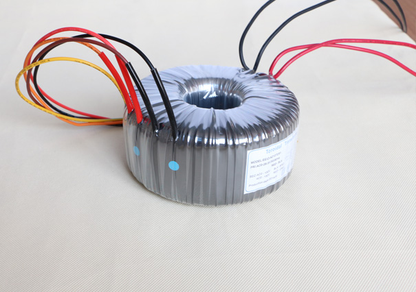 逆变变压器eeio-nb1000w[26v,0-230-400v]
